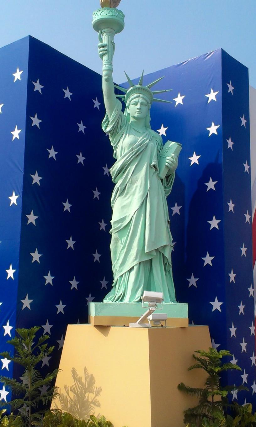 Statue of Liberty Mashima, US pavilion